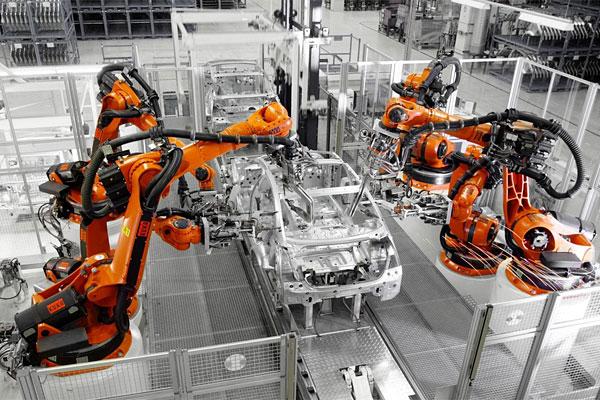 Automatisierungslösungen Industrieroboter in der Automobilbranche
