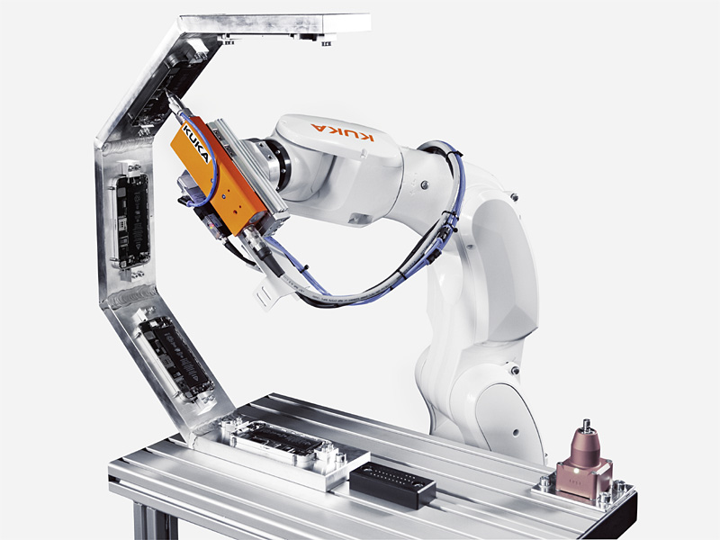 Automatisierungslösungen Robotik in Elektronikbranche